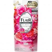 Кондиционер-смягчитель для белья KAO Flair Fragrance Floral Sweet, со сладким цветочно-фруктовым ароматом, сменная упаковка, 400 мл. Арт. 377432